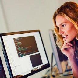 Mulheres programadoras: por que o mercado ainda é tão fechado para elas?