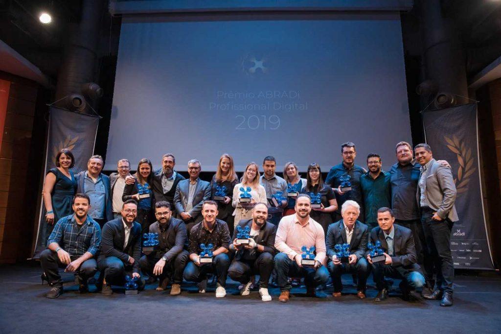 Mais uma conquista: Layer Up se destaca em Prêmio ABRADi Profissional Digital 2019