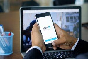 Como se desatacar no LinkedIn